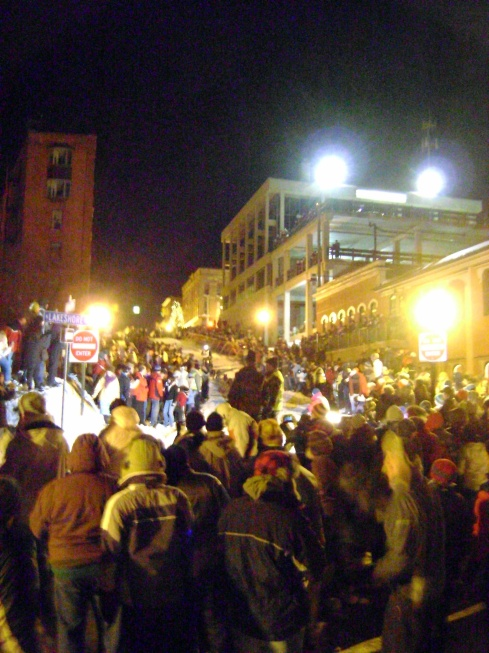 See all the people descend upon Marquette to watch the races
