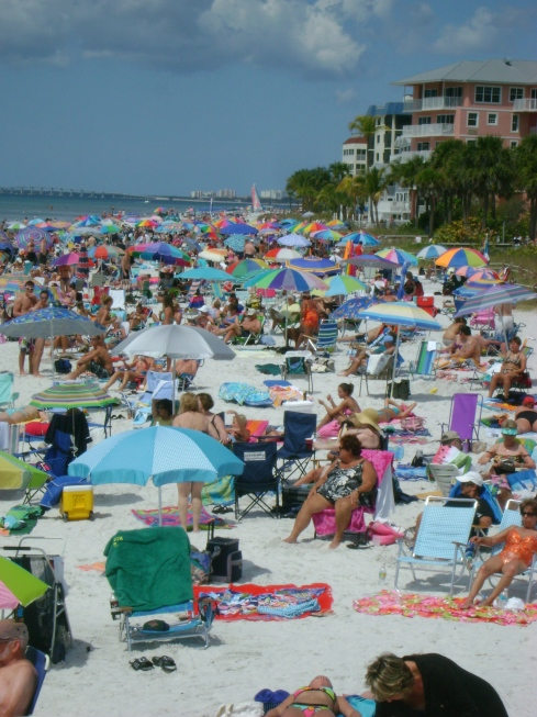 North Fort Myers Beach:  can you find a place to lie in the sun?