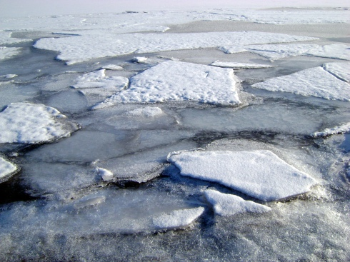Keweenaw Bay ice begins to break up