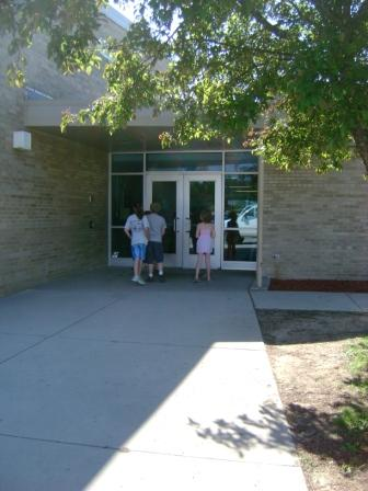 The Yale elementary school entrance