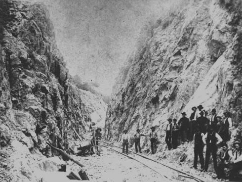 picture_huronbay_1890s_rockcut2